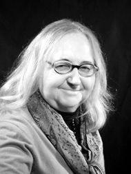 Dr. Eva Groyer